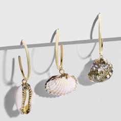 Fashionable Exotic Alloy With Shell Earrings